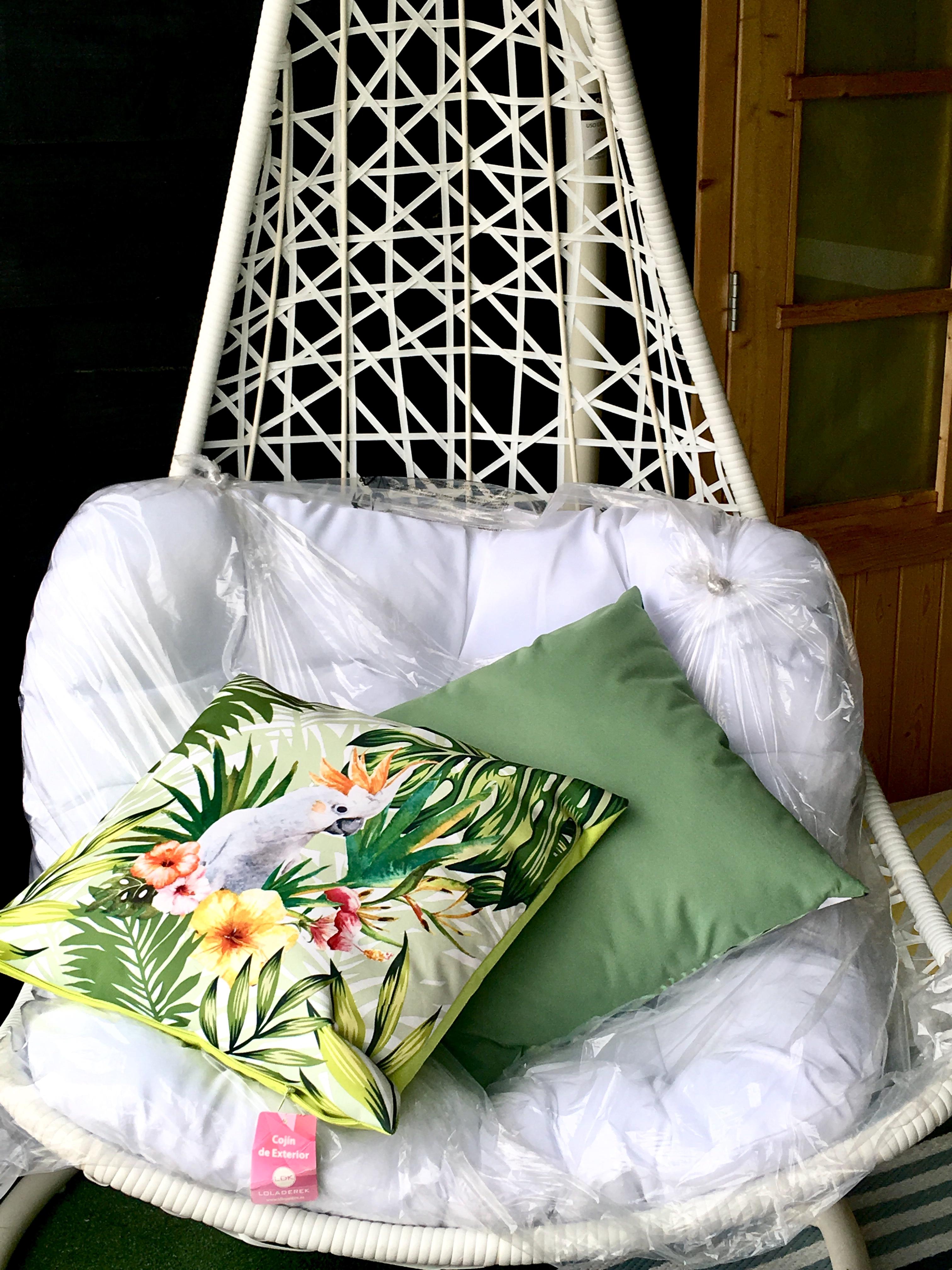 Loja exterior - Cadeira decoração